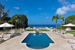 Amalia — Luxury villa for rent in Holders Hill